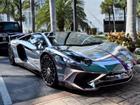 Lamborghini Aventador SV mui trần nổi bật với 'bộ cánh' mạ crôm phối tím