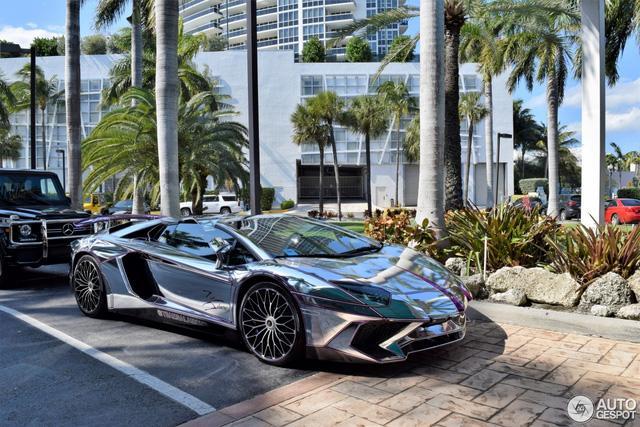 Lamborghini Aventador SV mui trần nổi bật với bộ cánh mạ crôm phối tím - Ảnh 11.