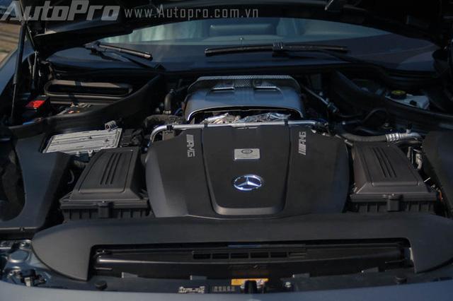 Bộ đôi siêu xe Mercedes-Benz hàng hiếm của đại gia Trung Nguyên cùng nhau đọ dáng - Ảnh 13.