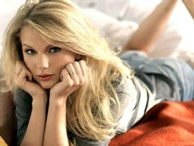 Hacker tuyên bố sắp tung ảnh nude của Taylor Swift và loạt mỹ nhân Hollywood