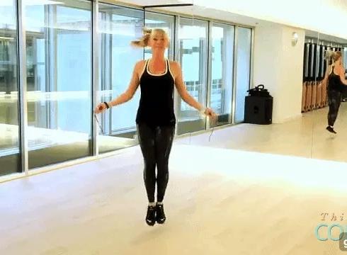 Lười ra phòng tập gym, ở nhà nhảy 6 kiểu sau bảo đảm đùi gọn, eo thon, mông săn chắc bất ngờ