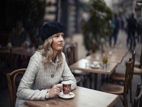 Triết lý sống của người Paris: Người hạnh phúc là người không có quá nhiều ham muốn
