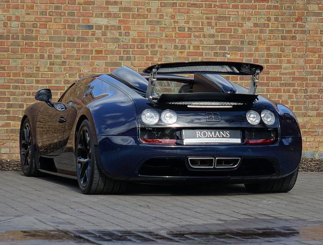 Chạy gần 3.000 km, Bugatti Veyron Grand Sport Vitesse vẫn có giá chát 67 tỷ Đồng - Ảnh 11.