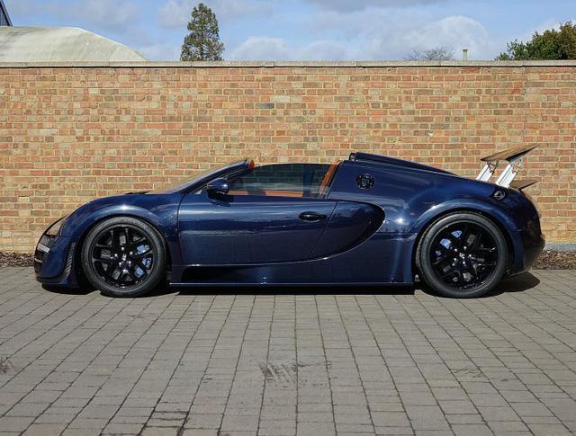 Chạy gần 3.000 km, Bugatti Veyron Grand Sport Vitesse vẫn có giá chát 67 tỷ Đồng - Ảnh 4.