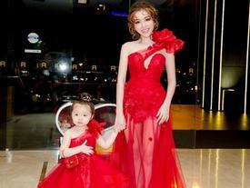 Mỗi lần lên sóng, mẹ con nhà Elly Trần khiến ai cũng mê với những set đồ đôi tuyệt đỉnh