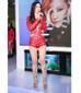 Trong các lần biểu diễn, nữ ca sĩ khá trung thành với những bộ đồ jumpsuit siêu ngắn.