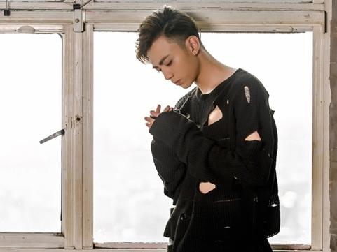 Soobin Hoàng Sơn 'hạ gục' trái tim fan hâm mộ khi cover hit mới