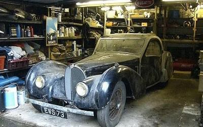 Sieu xe Bugatti phu bui trong nha de xe gia 4,4 trieu USD hinh anh 1