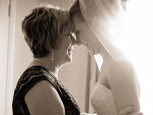 Mẹ dạy con gái cách chọn chồng và sống hạnh phúc