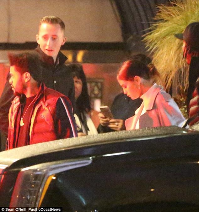 Selena Gomez xinh đẹp lộng lẫy đi hẹn hò đêm khuya với The Weeknd - Ảnh 5.