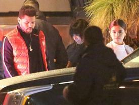 Selena Gomez xinh đẹp lộng lẫy đi hẹn hò đêm khuya với The Weeknd