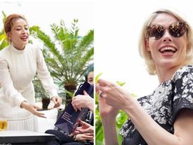 'Nữ hoàng tạo dáng' Coco Rocha hào hứng đeo kính do Chi Pu tặng