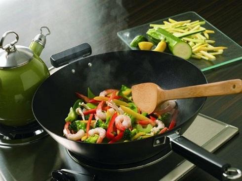 Cả nhà bị bệnh chỉ vì thói quen nấu nướng sai cách của chị em