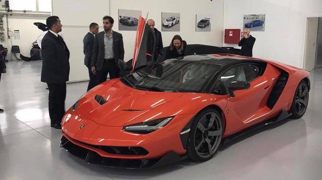 Tóm gọn siêu xe Lamborghini Centenario màu trắng nhám của Hoàng gia Qatar - Ảnh 4.