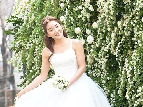 Hôn lễ đẹp nhất xứ Hàn: S.E.S tái hợp, chủ tịch SM Lee Soo Man cùng dàn sao 'khủng' xuất hiện
