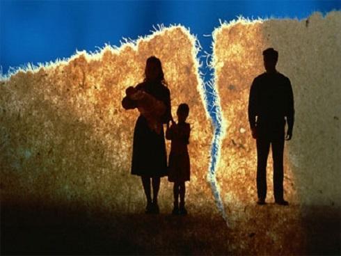 Quan điểm 'phụ nữ chấp nhận chồng ngoại tình vì muốn con có bố' gây bão