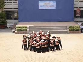 Không thể rời mắt trước màn flashmob đẹp và siêu chất của học sinh TP.HCM!