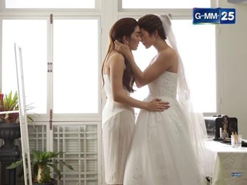Phim cùng series 'Tình Yêu Không Có Lỗi' tiết lộ mối tình đồng tính nữ