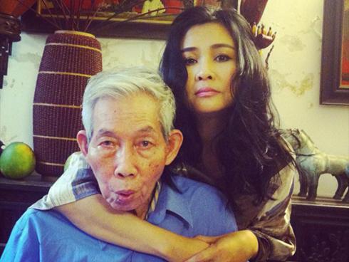 Xót xa vì 'Màu hoa đỏ' bị cấm lưu hành, Diva Thanh Lam viết tâm thư cho người cha quá cố