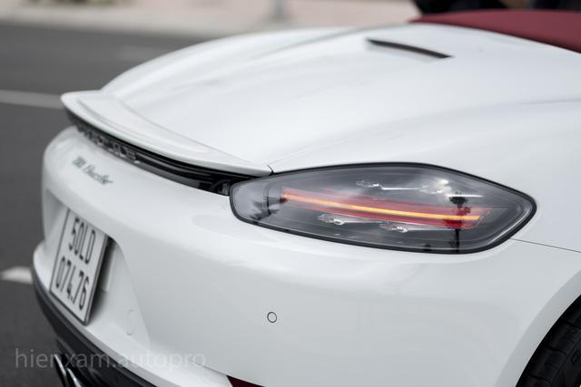 Cận cảnh Porsche 718 Boxster giá 4,5 tỉ đồng tại Việt Nam - Ảnh 6.