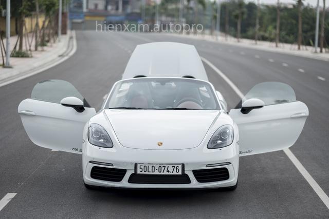 Cận cảnh Porsche 718 Boxster giá 4,5 tỉ đồng tại Việt Nam - Ảnh 9.