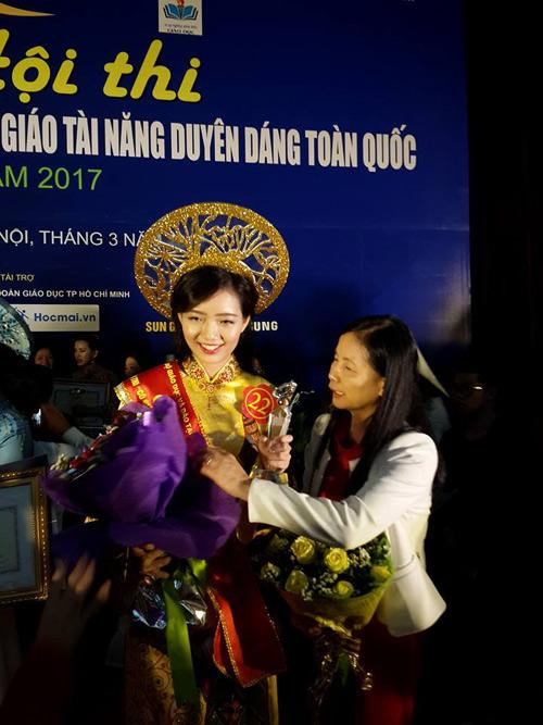 co giao xinh nhat truong amsterdam gianh hoa khoi giao vien toan quoc hinh anh 6
