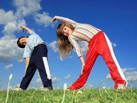 Cách tập luyện cho phụ nữ khi chơi với trẻ