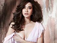 """""""Nữ hoàng thị phi"""" Thái U40 đẹp hút hồn sánh ngang gái 18"""