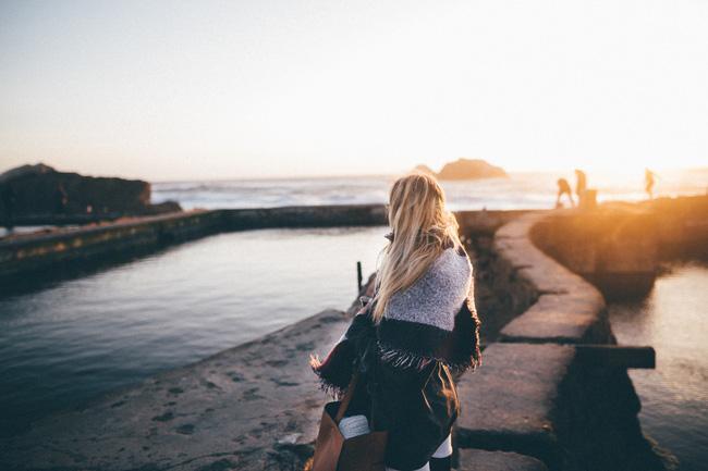 Đặt quá nhiều hy vọng vào tình yêu đơn phương chính là điều dại dột và tốn tuổi thanh xuân nhất - Ảnh 2.