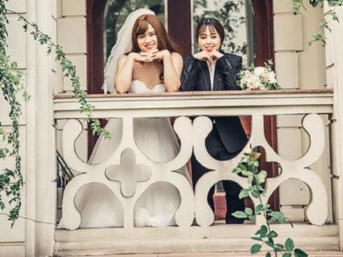 9x bắt chồng mặc váy cưới, kết quả 'câm nín' vì chú rể còn xinh hơn cả cô dâu