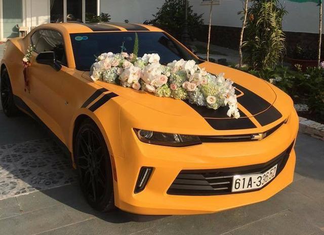 Chevrolet Camaro 2017 của thiếu gia Bình Dương làm xe hoa - Ảnh 3.