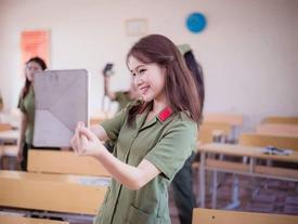 Cô gái Lào xinh đẹp tại Học viện An ninh Nhân dân