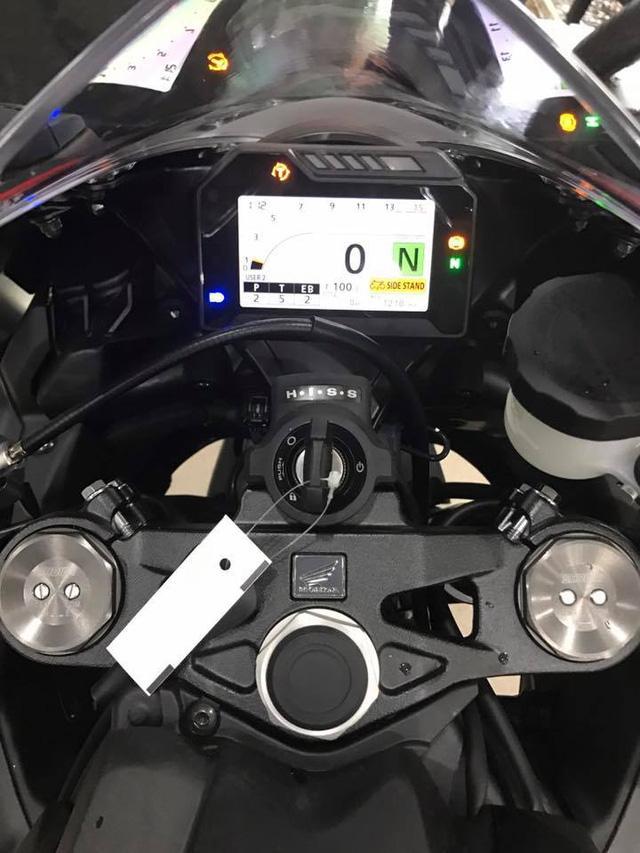 Siêu mô tô Honda CBR1000RR 2017 đầu tiên cập bến Việt Nam - Ảnh 8.