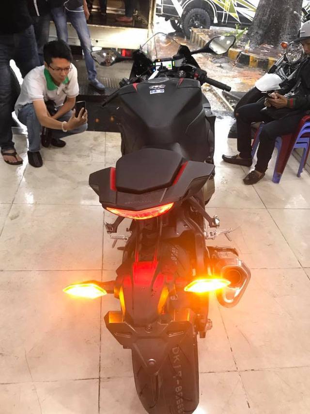 Siêu mô tô Honda CBR1000RR 2017 đầu tiên cập bến Việt Nam - Ảnh 6.