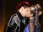 'Trouble Maker' phiên bản Việt Tronie - MiA chiến thắng bằng nụ hôn quá bỏng mắt