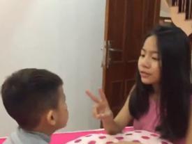 Clip: Sốt mạng bé gái dạy em trai 4 tuổi học tiếng Anh siêu đỉnh
