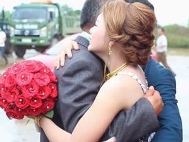 Cô dâu trong clip cha lau nước mắt tiễn con về nhà chồng: 'Cha và mẹ đã khóc suốt đoạn đường về'