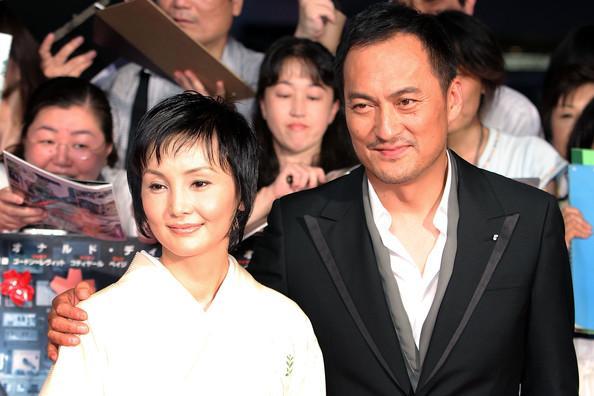 Showbiz Nhật chao đảo vì tài tử Hồi ức của một geisha ngoại tình với 4 gái trẻ trong lúc vợ ung thư - Ảnh 1.