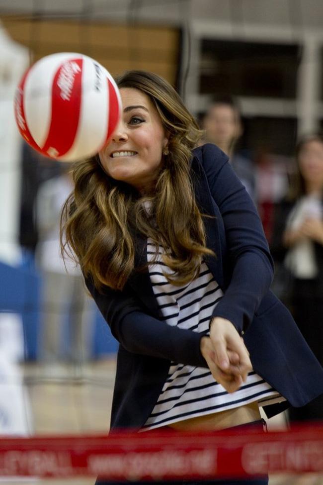 Công nương Kate gây bất ngờ khi thành thạo hơn 10 môn thể thao - Ảnh 4.