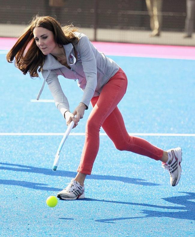 Công nương Kate gây bất ngờ khi thành thạo hơn 10 môn thể thao - Ảnh 7.