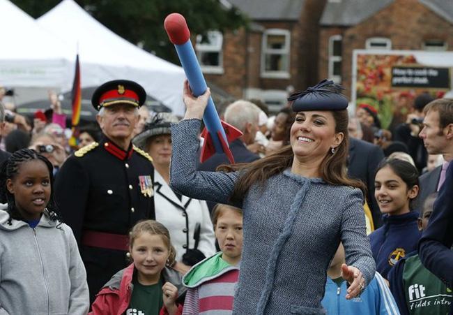 Công nương Kate gây bất ngờ khi thành thạo hơn 10 môn thể thao - Ảnh 9.