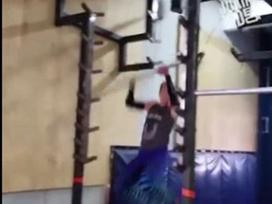 Clip hài: Tai nạn 'khó tin' trong phòng tập gym