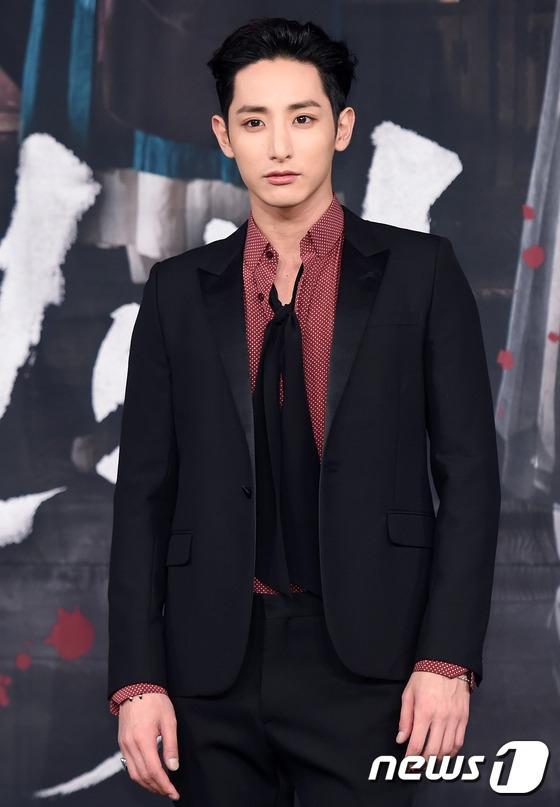 Hoàng tử ma cà rồng Lee Soo Hyuk đã không còn hoàn hảo như xưa vì... thẩm mỹ hỏng? - Ảnh 8.
