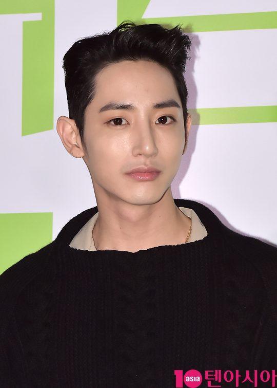 Hoàng tử ma cà rồng Lee Soo Hyuk đã không còn hoàn hảo như xưa vì... thẩm mỹ hỏng? - Ảnh 3.