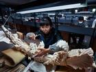 Bên trong chợ ngà voi khổng lồ sắp bị Trung Quốc dẹp bỏ