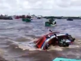 Tin hot trong ngày: Lật tàu ở Bạc Liêu khiến 14 người thương vong