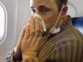 Truyện cười: Cách xử lý khi bị say máy bay