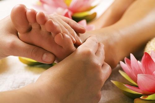 Giảm stress chỉ trong tích tắc khi massage đúng những điểm này - Ảnh 1.
