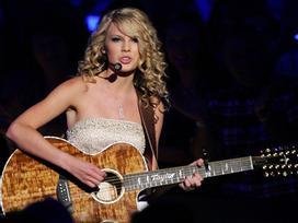 Taylor Swift chán nhạc pop, trở lại nhạc đồng quê?