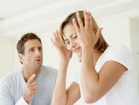 'Nghẹt thở' khi lấy phải chồng gia trưởng